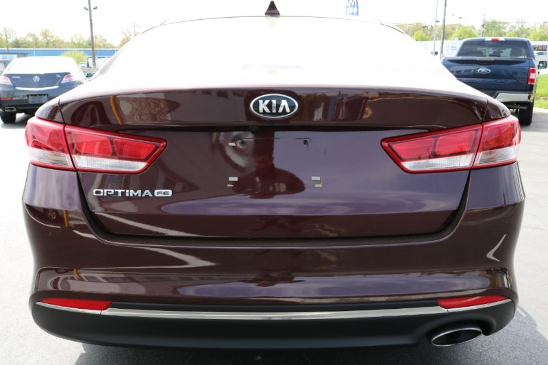 Kia Optima 2018 price $16,990