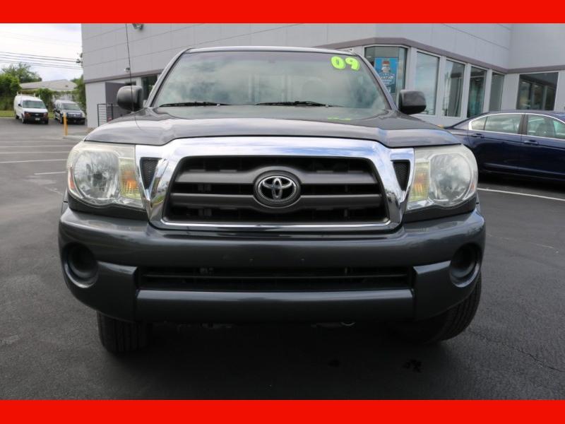 Toyota Tacoma 2009 price $13,990