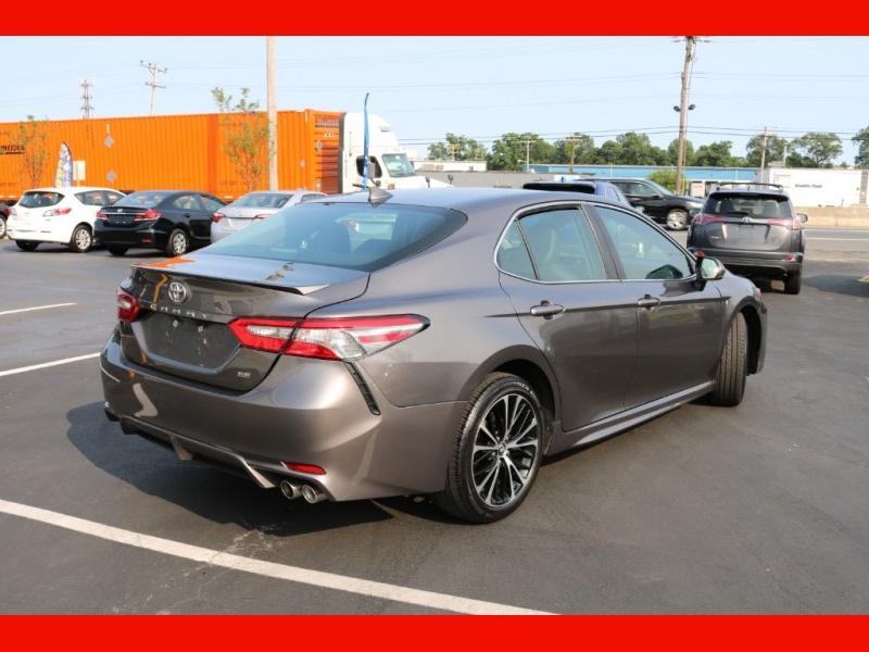 Toyota Camry 2019 price $26,990