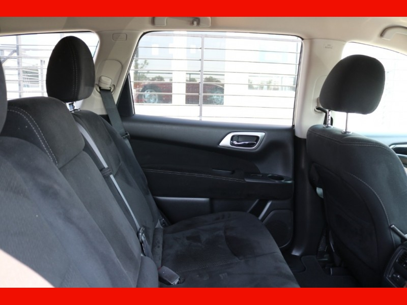 Nissan Pathfinder 2014 price $15,990