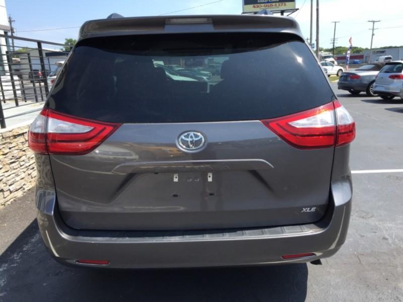 Toyota Sienna 2016 price $22,990