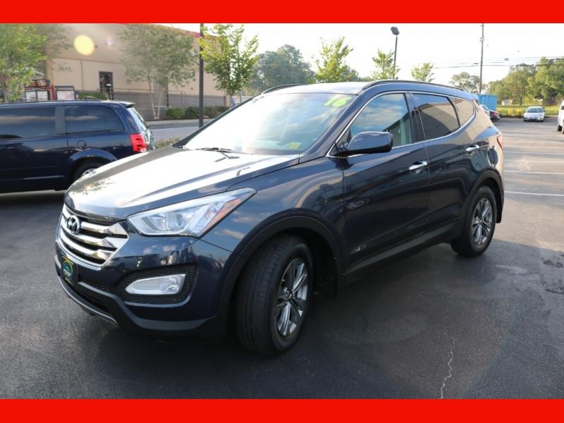 Hyundai Santa Fe Sport 2016 price $18,990