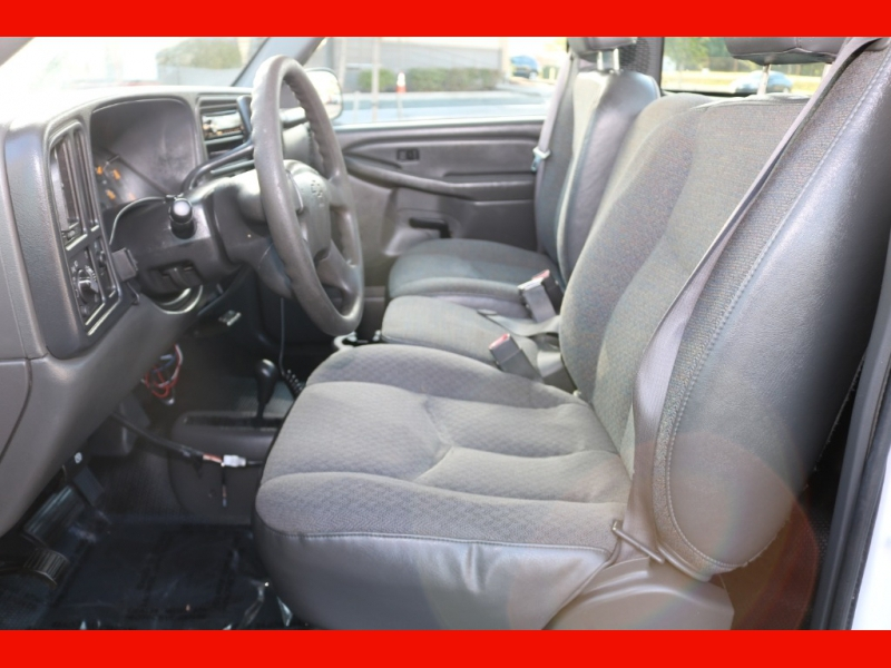 Chevrolet Silverado 2500HD 2004 price $11,990
