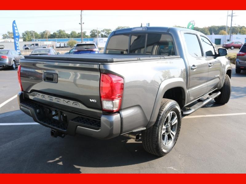 Toyota Tacoma 2016 price $31,990
