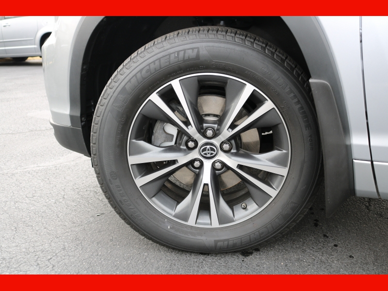 Toyota Highlander 2016 price $29,990