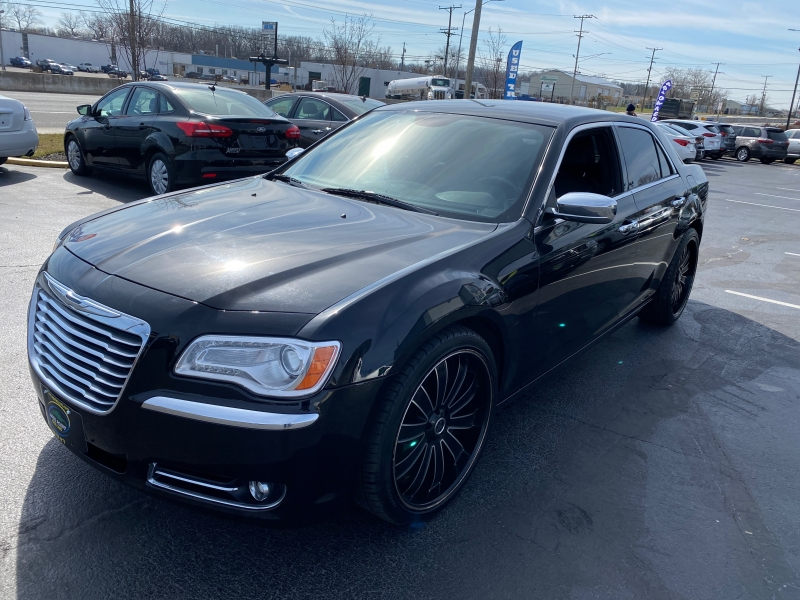 Chrysler 300 2013 price $13,990