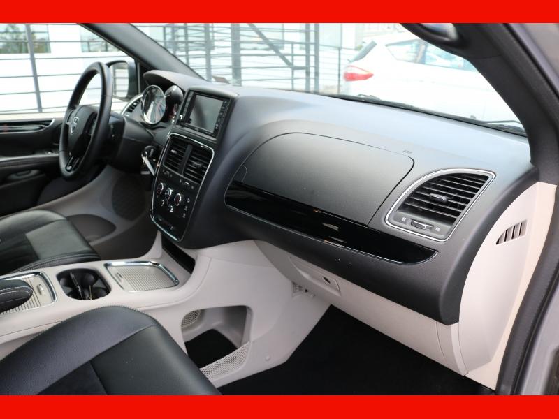Dodge Grand Caravan 2018 price $16,990