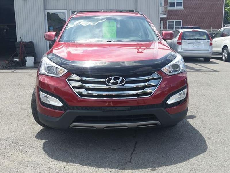 Hyundai Santa Fe 2013 price $15,995