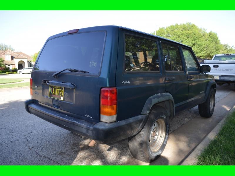 Jeep Grand Cherokee 1998 price $2,500