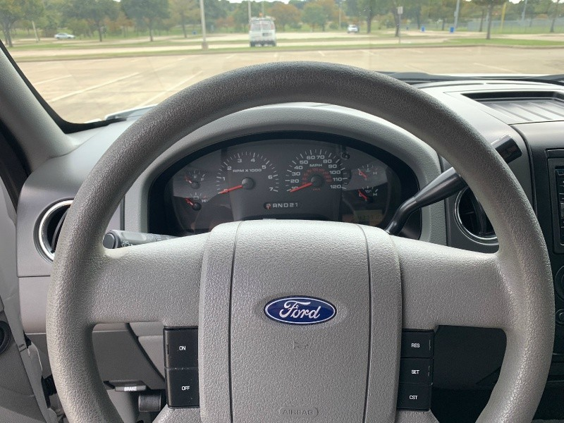 Ford F-150 2006 price $18,300