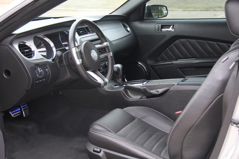 Ford Mustang 2011 price $9,900