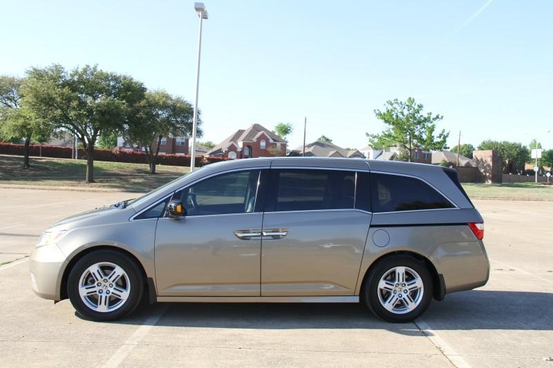 Honda Odyssey 2011 price $11,950