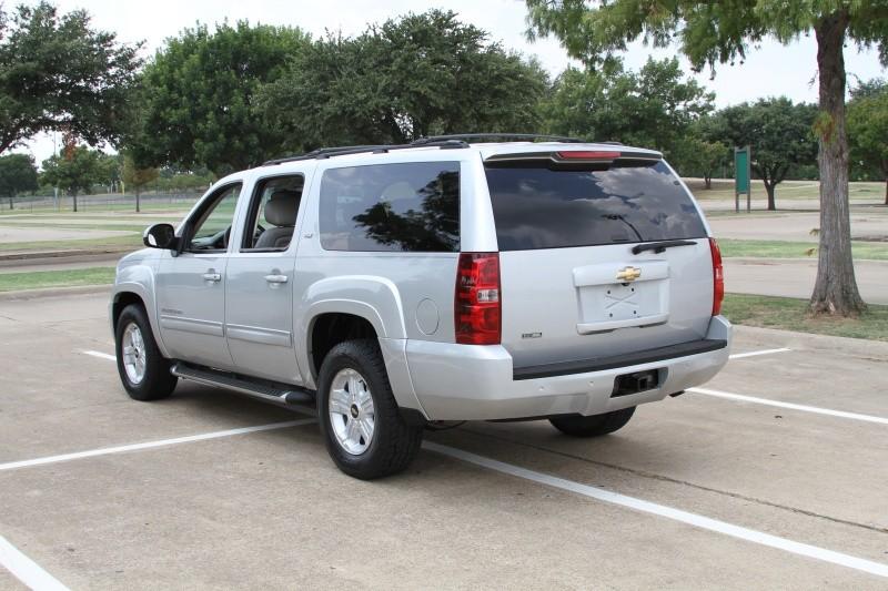 Chevrolet Suburban 2010 price $10,900