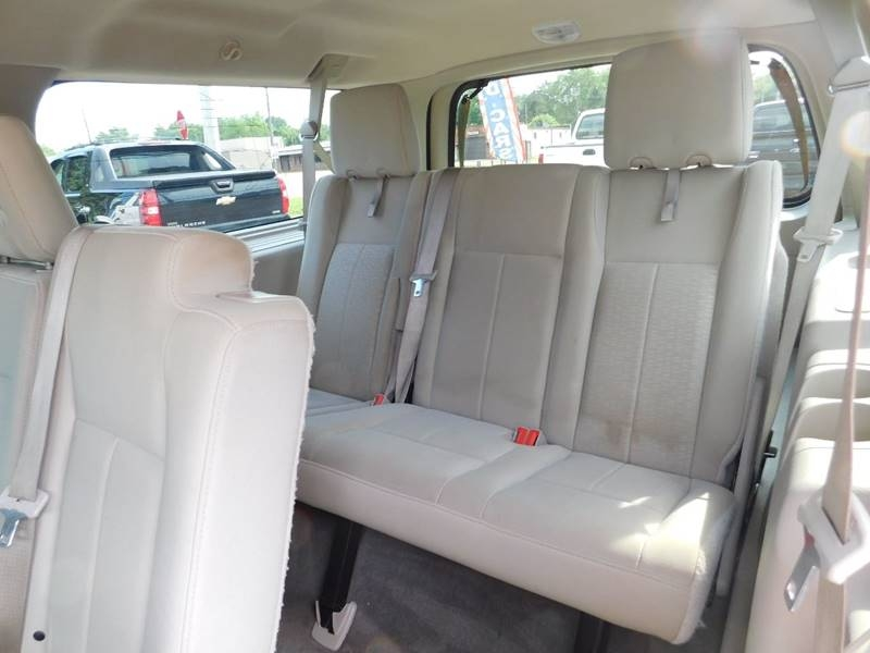 Ford Expedition EL 2011 price $8,900