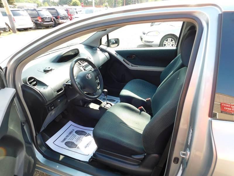 Toyota Yaris 2007 price $3,300