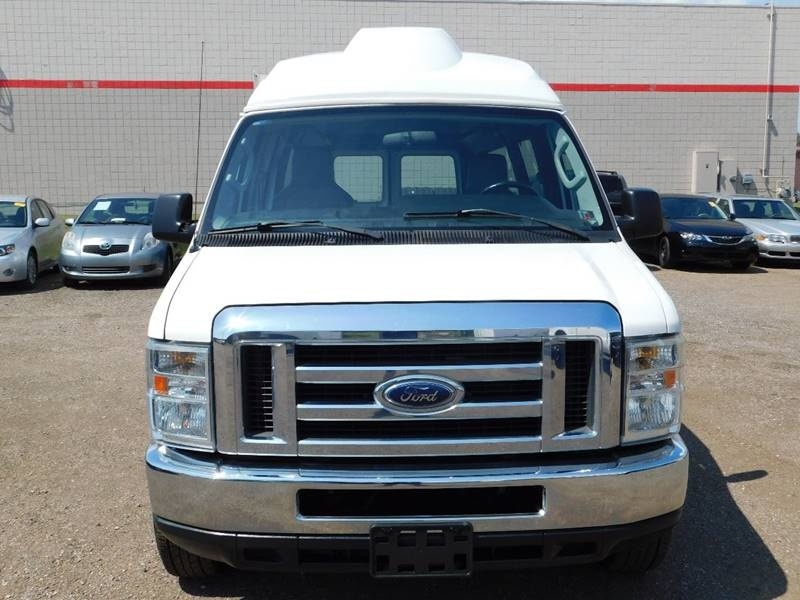 Ford E-Series Cargo 2010 price $8,990