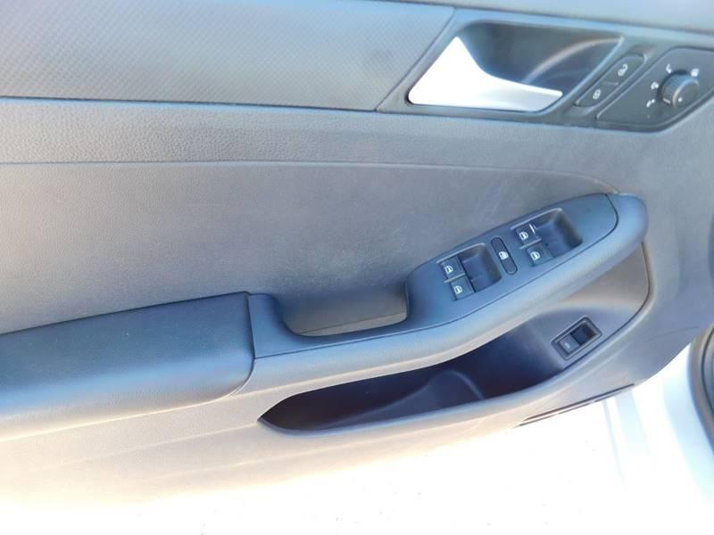 Volkswagen Jetta 2014 price $4,990