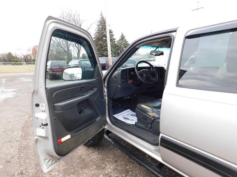 Chevrolet Silverado 2500HD 2005 price $13,990