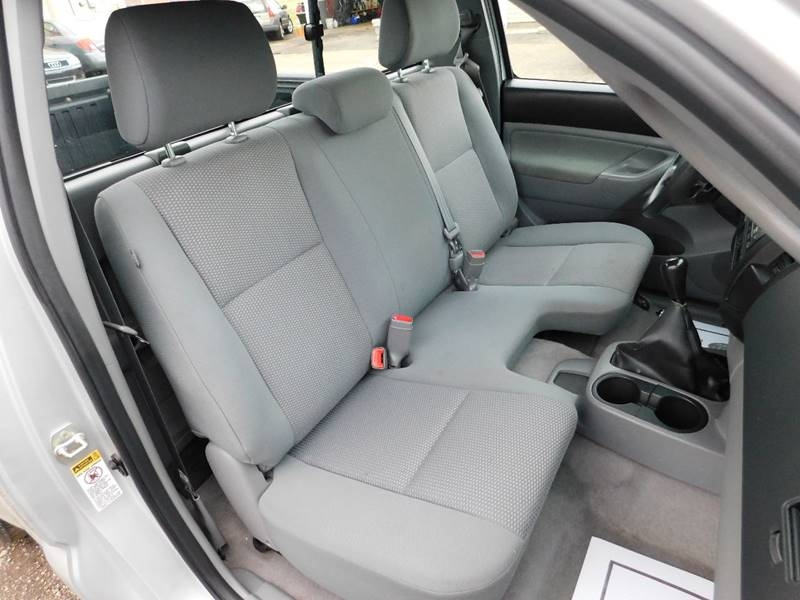 Toyota Tacoma 2010 price $7,990