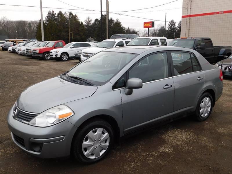 Nissan Versa 2009 price $2,990