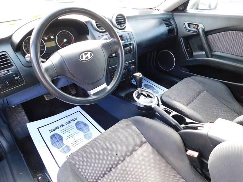 Hyundai Tiburon 2006 price $2,900