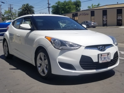 The 2015 White Veloster HB   SUMMER Time Fun !