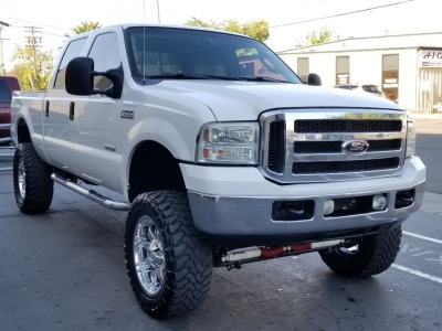 2005 Ford Super Duty F-250 Crew Cab, LARIAT, LIFTED 4X4