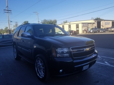 2010 Chevrolet Tahoe 4X4 , LT, 3RD ROW SEATING