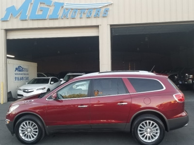 2008 Buick Enclave , LEATHER, THIRD ROW SEAT, DVD