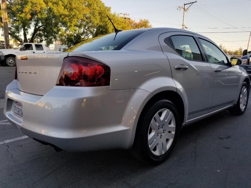 Dodge Avenger 2012 price $4,995