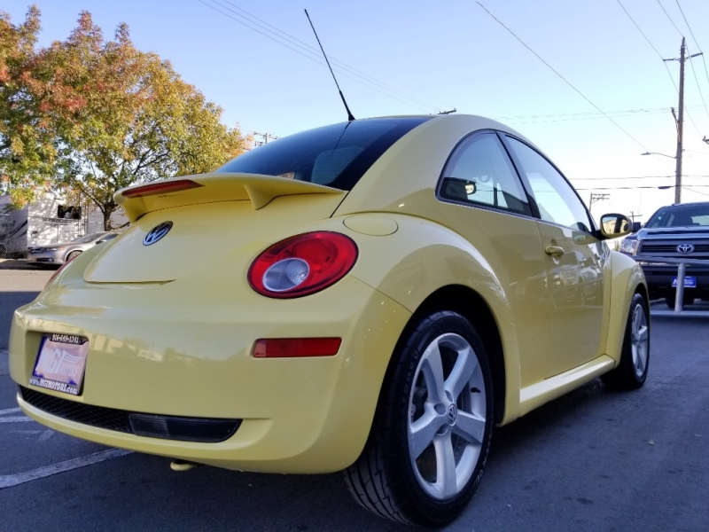 Volkswagen New Beetle Coupe 2006 price $3,995