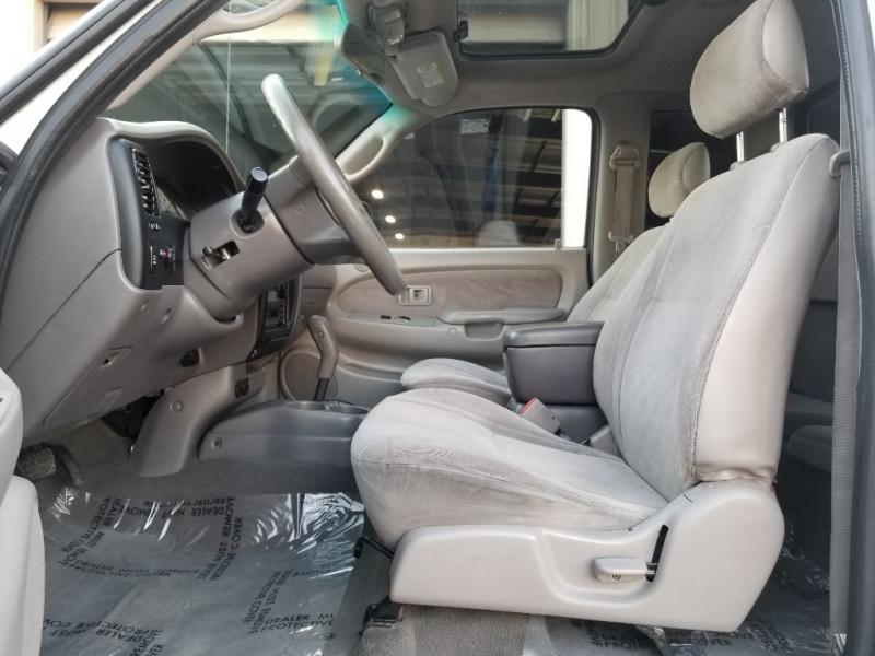 Toyota Tacoma 2003 price $9,995
