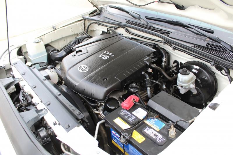 Toyota Tacoma 2010 price $12,995