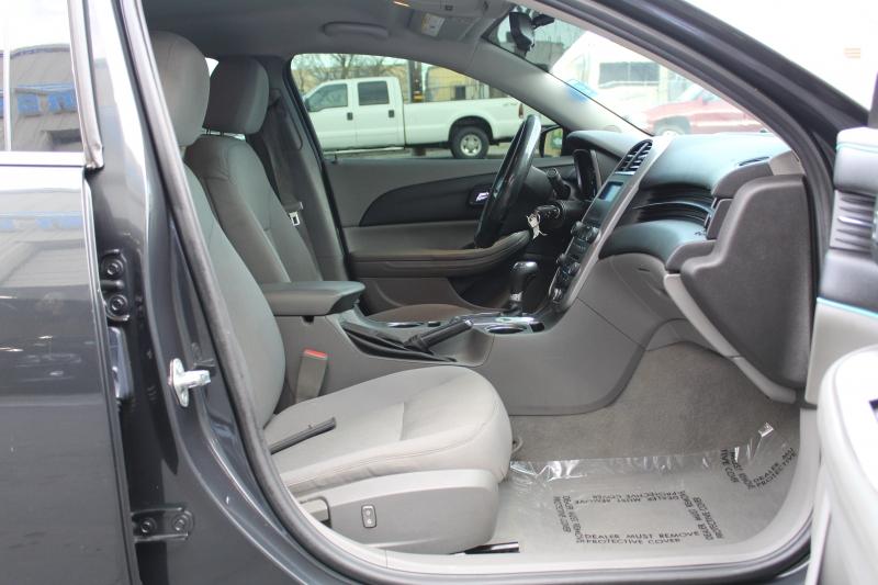 Chevrolet Malibu 2016 price $8,995