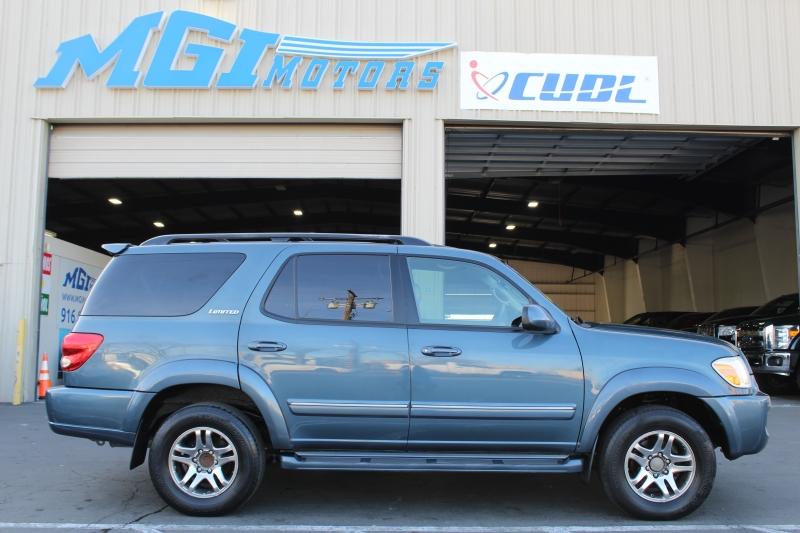 Toyota Sequoia 2006 price $7,995