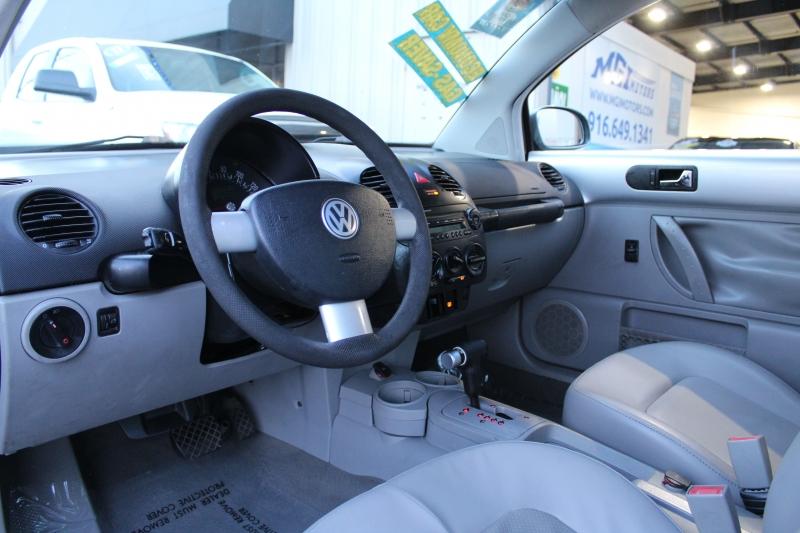 Volkswagen New Beetle Coupe 2005 price $3,995