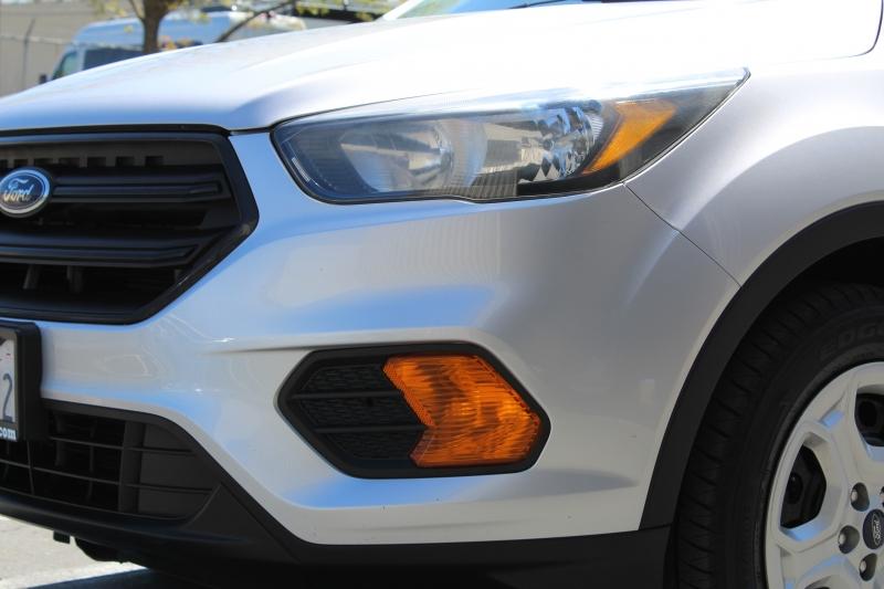 Ford Escape 2018 price $9,995