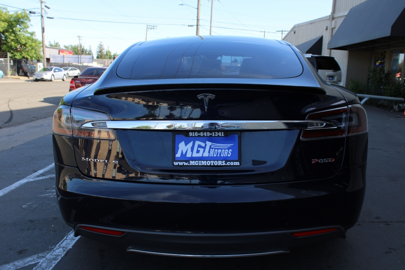 Tesla Model S 2015 price $49,995