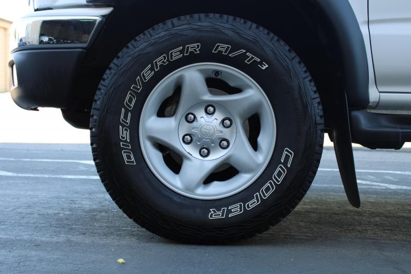 Toyota Tacoma 2002 price $8,995