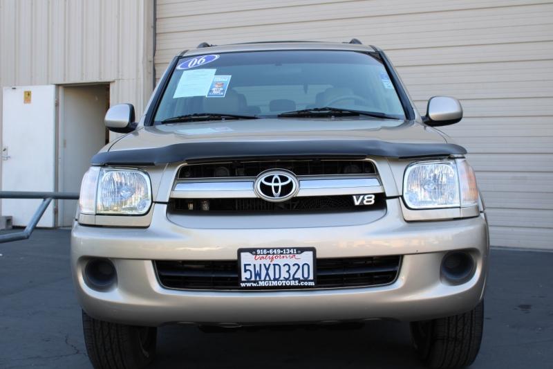 Toyota Sequoia 2006 price $8,995