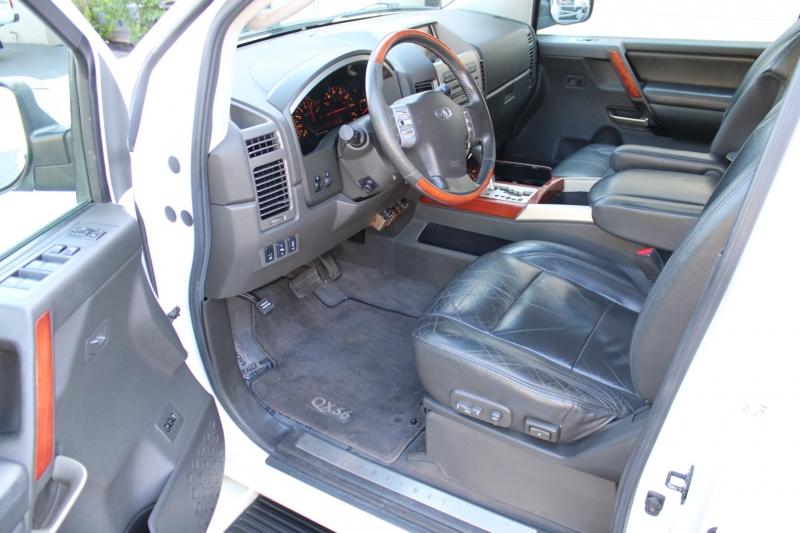 Infiniti QX56 2005 price $8,995