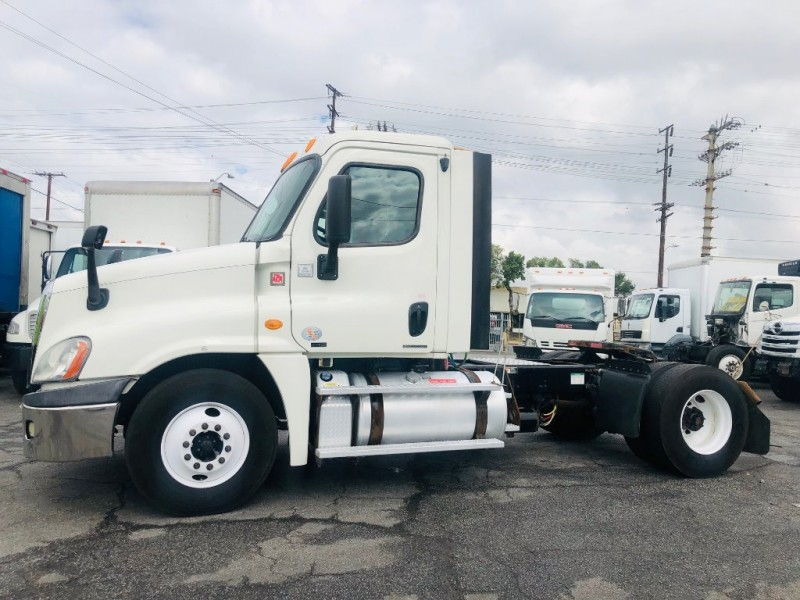 Freightliner CASCADIA 2012 price $43,000