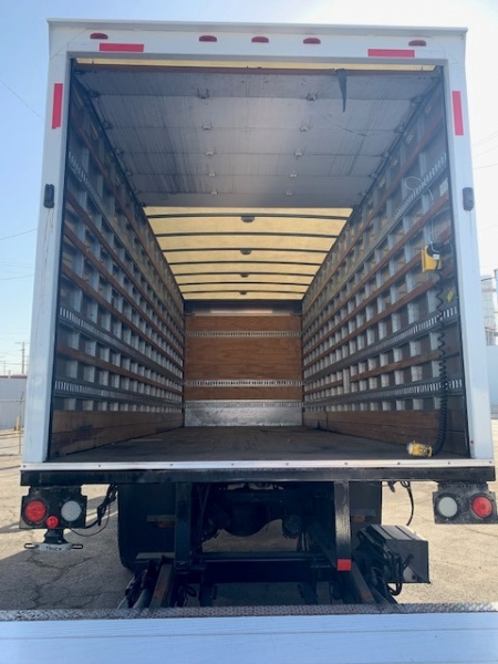 Freightliner Business Class M2 2012 price $31,000