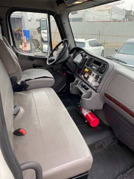Freightliner Business Class M2 106 2015 price $45,000