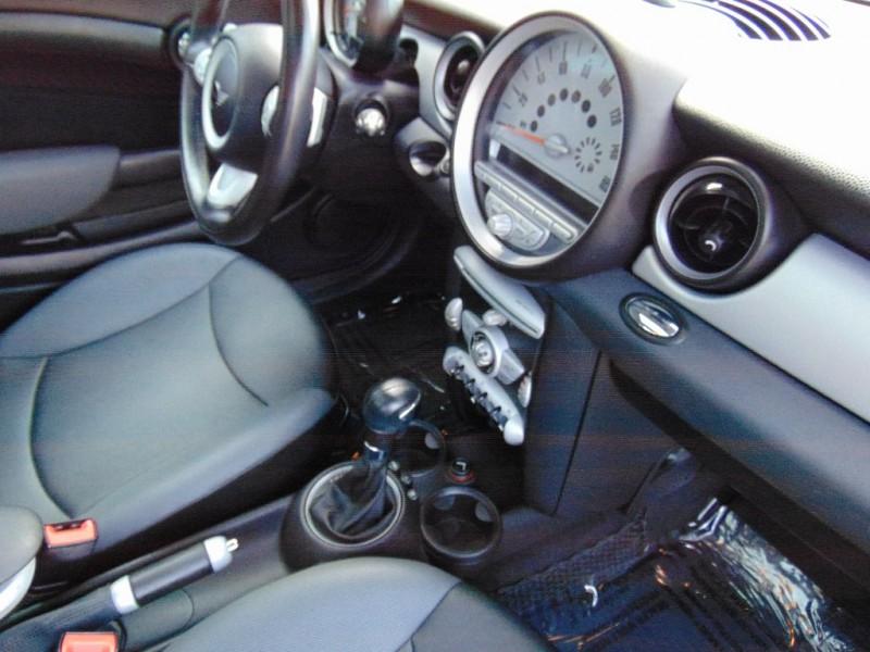 Mini Cooper Hardtop 2009 price $6,995