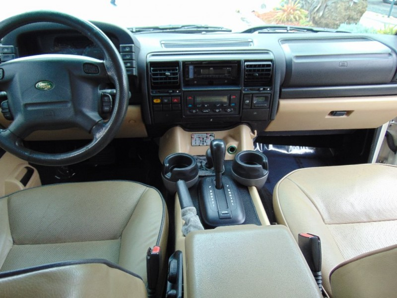 Land Rover Discovery 2003 price $10,995
