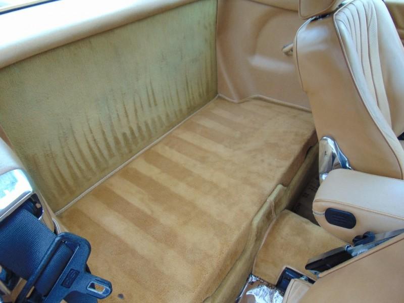 Mercedes-Benz 560 Series 1986 price $15,995