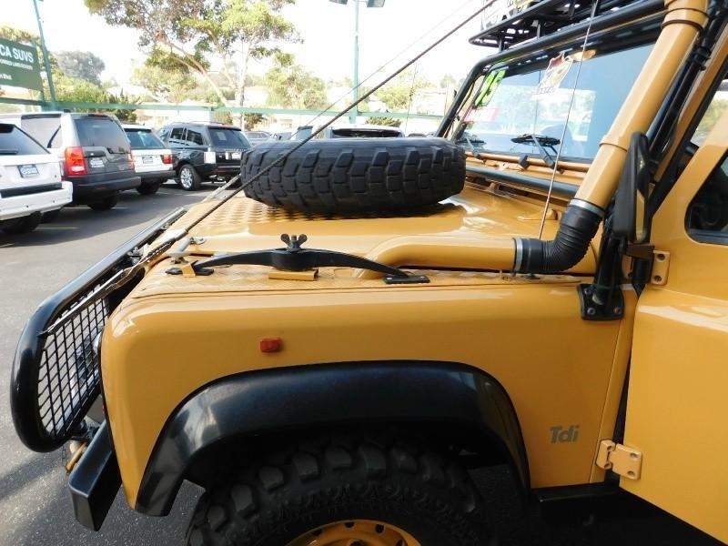 Land Rover Defender 90 1995 price $69,995