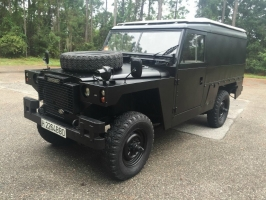 Land Rover Defender 1982