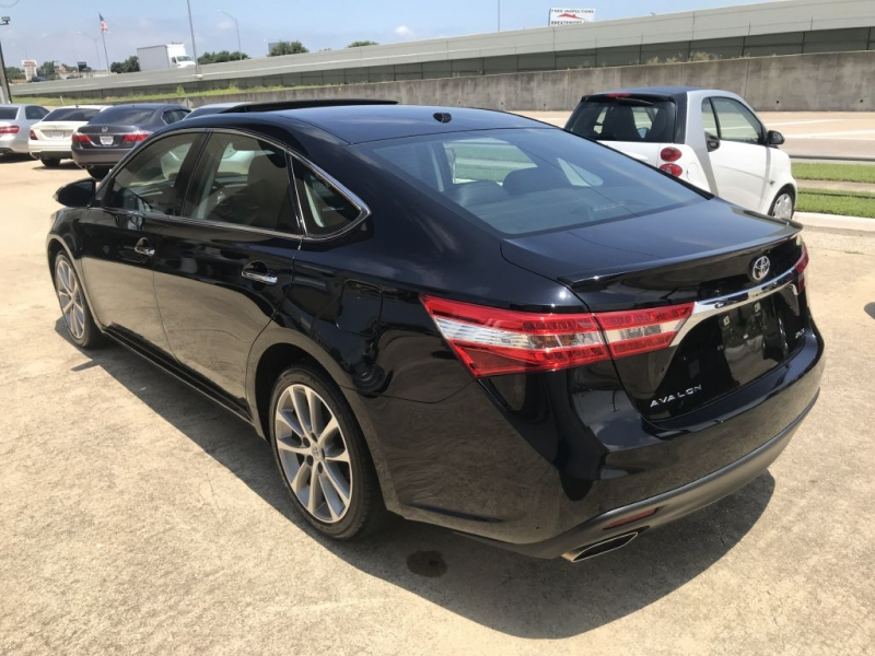 Toyota Avalon 2015 price $18,500